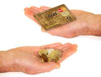 Kreditkarte oder Bargeld? Welches Zahlungsmittel ist sicherer?
